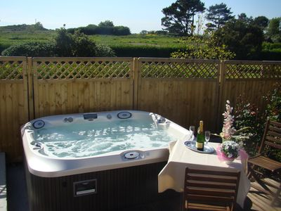 Luxurious house for 6 people in Portsall, heated pool, 3 Clévacances spa