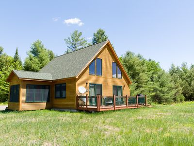 Haystack Hideaway: a very private home, yet close to town & pet friendly!
