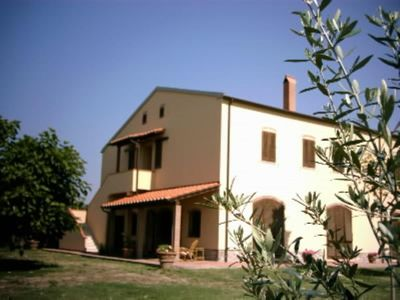 large apartment in farmhouse with large garden surrounding - Venturina