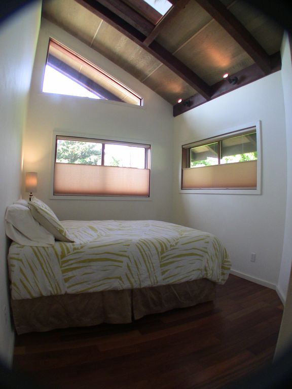 Bedroom 1.... Hardwood floors Skylight Bottom up - Top down shades