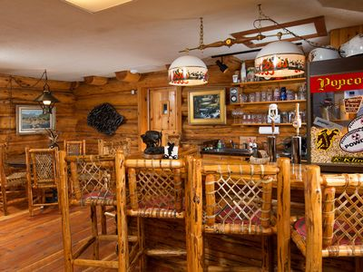 Jackson Hole lodge rental - Bar and poker table ready if you are.
