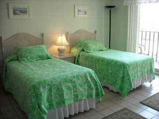 South Padre Island condo photo - Twin beds in second bedroom with full private bath