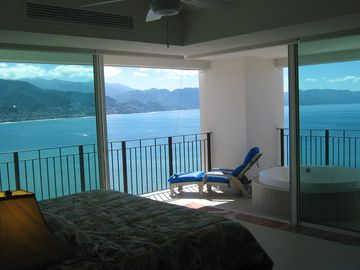 Master Bedroom View Unobstructed View of PV and Ocean - Front Tower