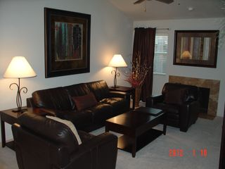Scottsdale condo photo - Luxury leather with queen sleeper sofa.