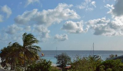 Bright, Safe And Modern 2 Bedroom/ 2 Bath Apartment, 3 Minute Walk To The Sea