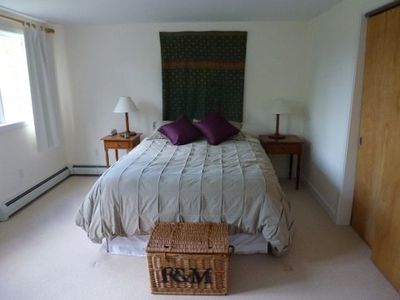 Plymouth house rental - The master bedroom with queen size bed