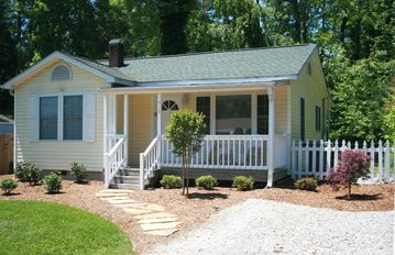 Hendersonville cottage rental