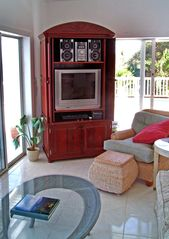 Northside villa photo - Mahogany Entertainment Center