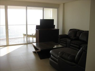 Doors in Living Area open to enjoy the full ocean air!