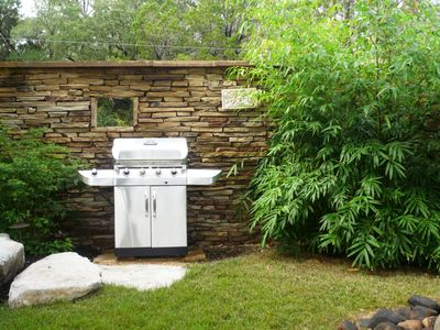 Austin house rental - Gas Grill in the private Cottage courtyard