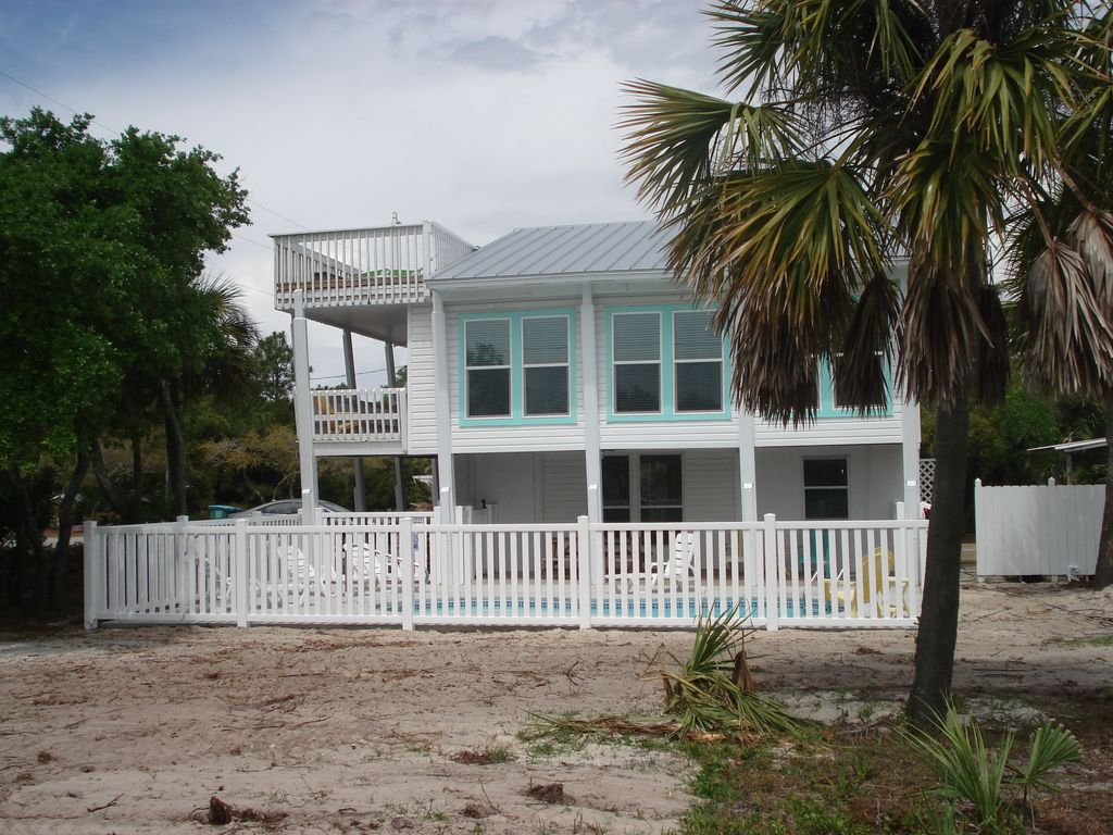 Sunny Pet Friendly Cottage With A Pool And Vrbo