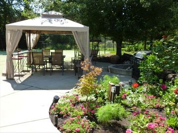 Gazebo for a shady breakfast, lunch and BBQ's around fire pit. Botanical Gardens
