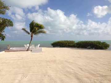 Islamorada estate rental - Central Beach Area and Oceanfront Patio