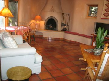 Taos house rental - Living/dining area