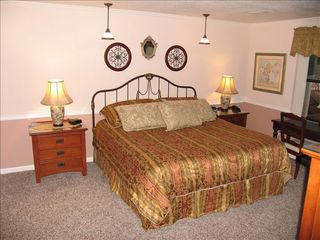 Branson condo photo - Master Bedroom Suite with king bed, private bath