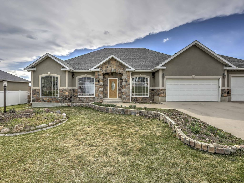 New! Cozy 4BR Smithfield Home Mins From Skiing!