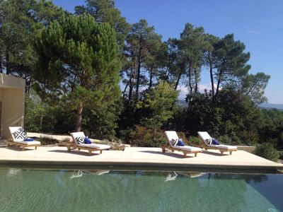 Fabulous property near Gordes with stunning views & heated pool