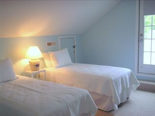 Rehoboth Beach cottage photo - Upstairs Bedroom-3 twins w/ bath