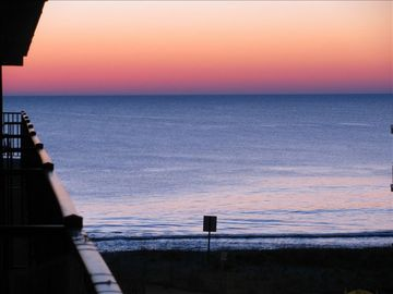 Seaside Escape Ocean City condo rental - Beach Sunrise from the balcony