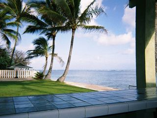 Kaaawa house photo - our outdoor bar overlooks the yard and beach