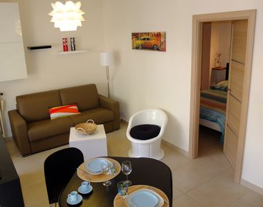 Apartment 2 comfortable rooms in Menton, the city center near the sea