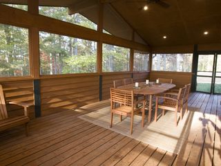 Weaverville lodge photo - Screened In Porch with Access to Kitchen and Back Deck