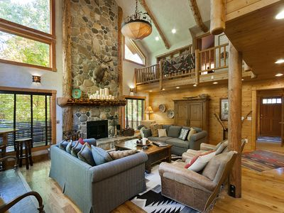 Classic 'Sundance Escape Lodge' Mountain Getaway, Amazing Great Room, Game Room