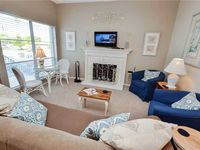 Madeira Beach Yacht Club 175F, 1 Bedroom, Heated Pool, Sauna, Pier, Sleeps 4