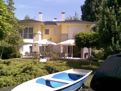 Holiday house just 80 meters from a private beach and with a small boat