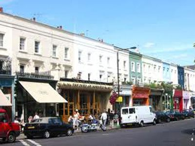 Fashionable Westbourne Grove only five minutes walk, great shopping and lunch