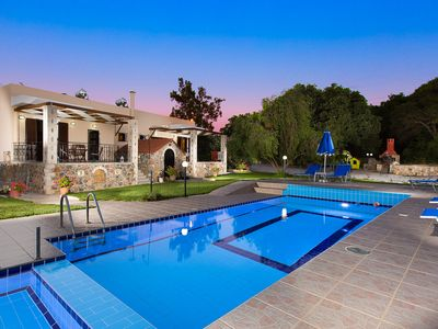 Modern Countryside Villa with Private pool, spectacular view, peaceful location