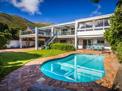 A peaceful self catering retreat for up to 10 guests in Scarborough, Cape Town
