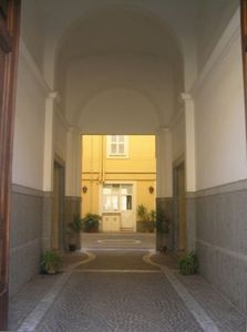 Colosseum area apartment rental - Building Entrance - San Clemente Basilica apartment