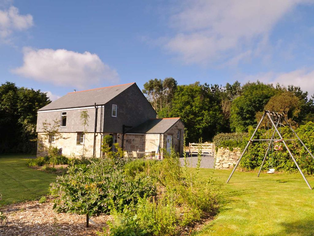 Trevena Cross Barn Luxury Barn Conversion With Landscaped