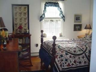 Kennebunkport cottage photo - Queen Bedroom