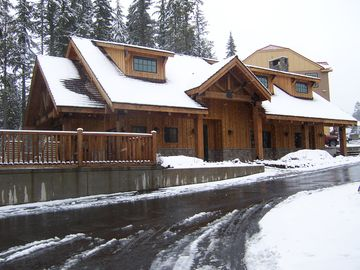 Collins Lake Lodge