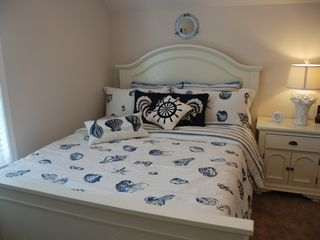 Guest Cottages townhome photo - Bedroom 2: queen-size memory form mattress