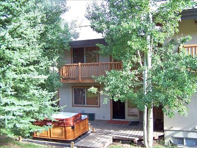 Deer Valley condo rental - Jetted Hot Tub on Deck of Main Level