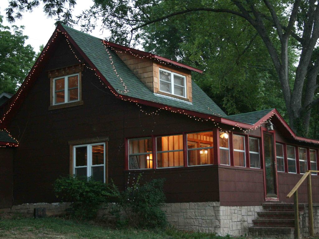 Charming Cabin On Taneycomo Lake Homeaway Branson