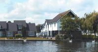 Cosy Double Glazed Riverside Cottage On The Banks Of The River Bure In Wroxham