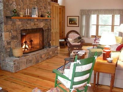 Great room with stone fireplace - Chattanooga TN Cabin Rental