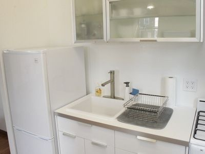Queens studio rental - Modern Kitchen.