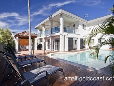 LUXURY WATERFRONT HOUSE CENTRAL TO STUNNING BEACHES, PERFECT FOR FAMILIES