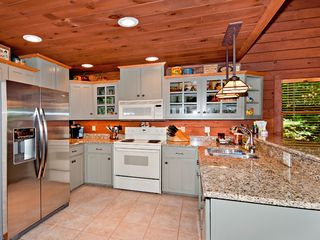 Maggie Valley house photo - Fully Equipped Kitchen