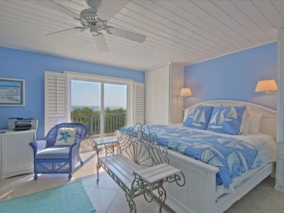 The master has a king bed, sitting area, TV/DVD, private bath, & ocean views!