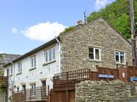 FOLLYS END COTTAGE, romantic, with open fire in Settle, Ref 4498