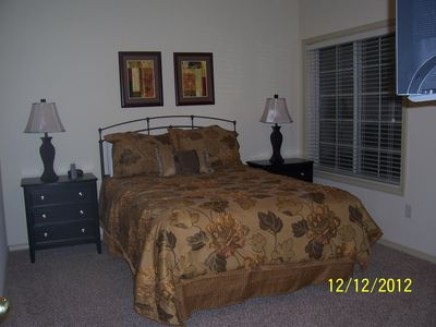 Branson West villa rental - Second Bedroom with walk in closet and tv with cable.