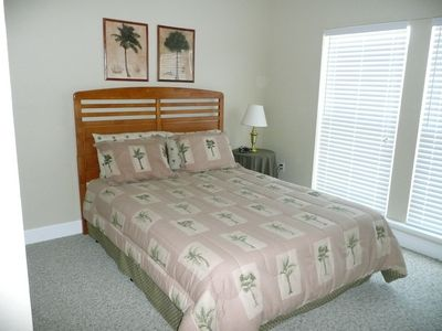 2nd Bedroom w/Queen size bed @ The Flamingo Roost