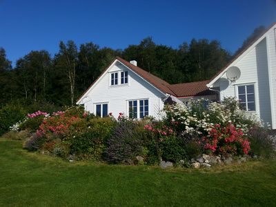 Attractive cottage with a large water property in Vikebygd Ålfjord