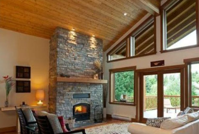 Whistler family chalet 4 bdrm 4 5 bath great for kids for Vaulted ceiling great room